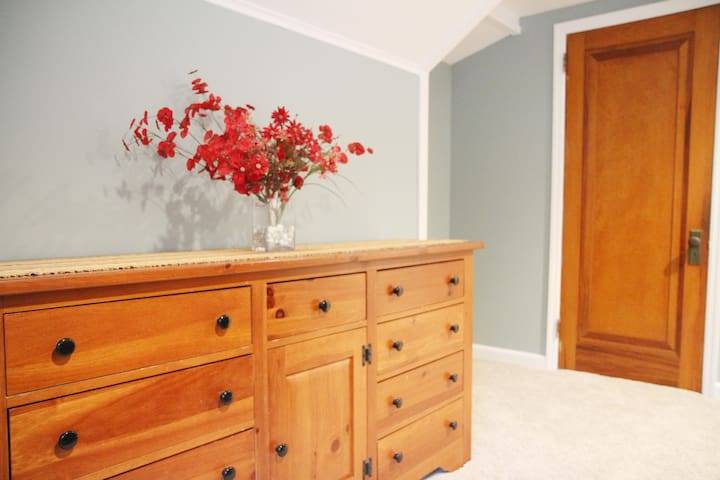 Dresser to hold belongings so you can unpack and make it feel like home.
