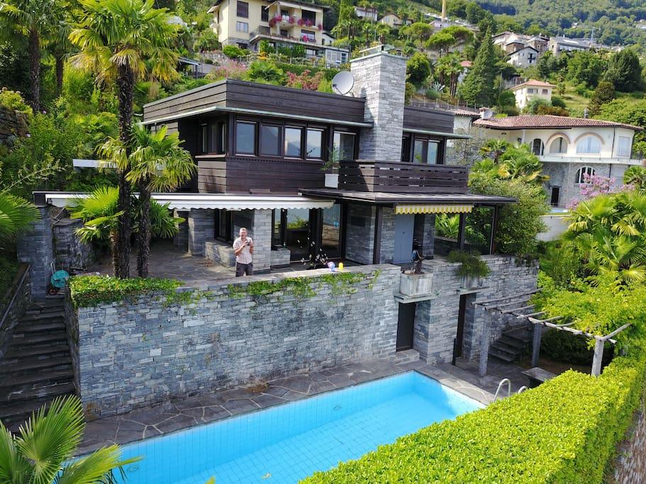 luxus poolvilla ber brissago am lago maggiore villen. Black Bedroom Furniture Sets. Home Design Ideas