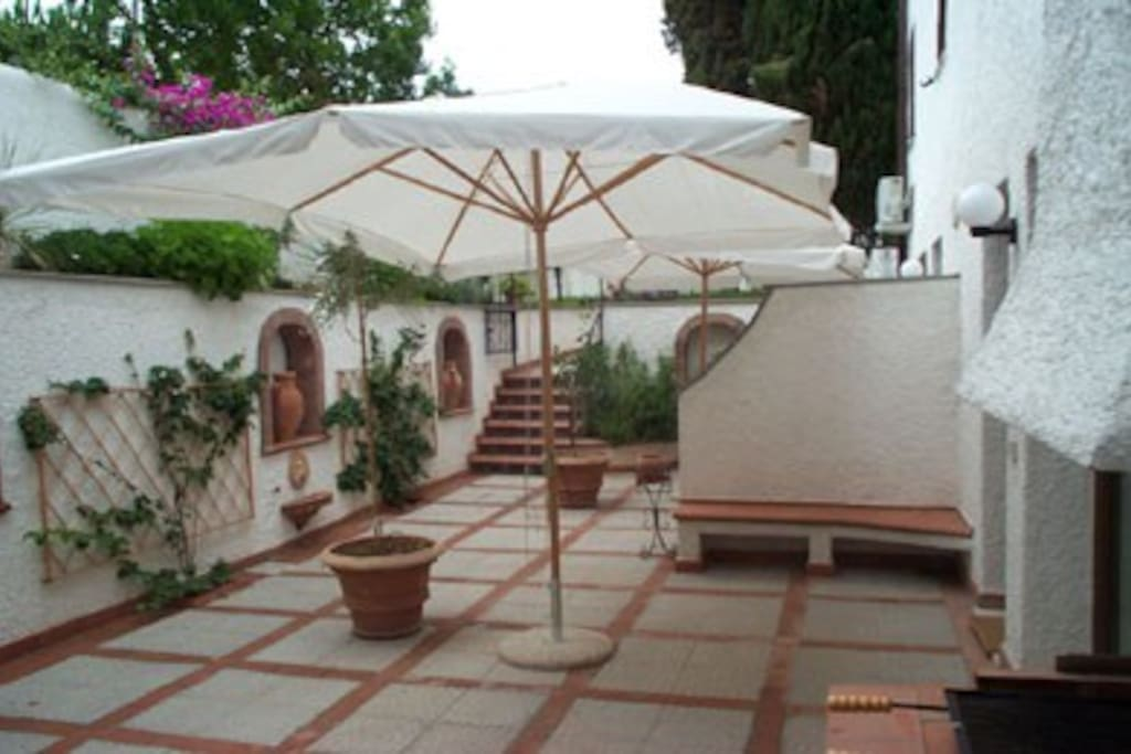 Accoglienti e tranquille suites appartamenti in affitto for Emmerre arredamenti ostia antica orari