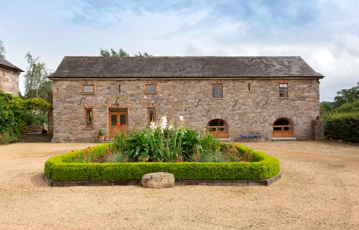 The Coach House 5 star property