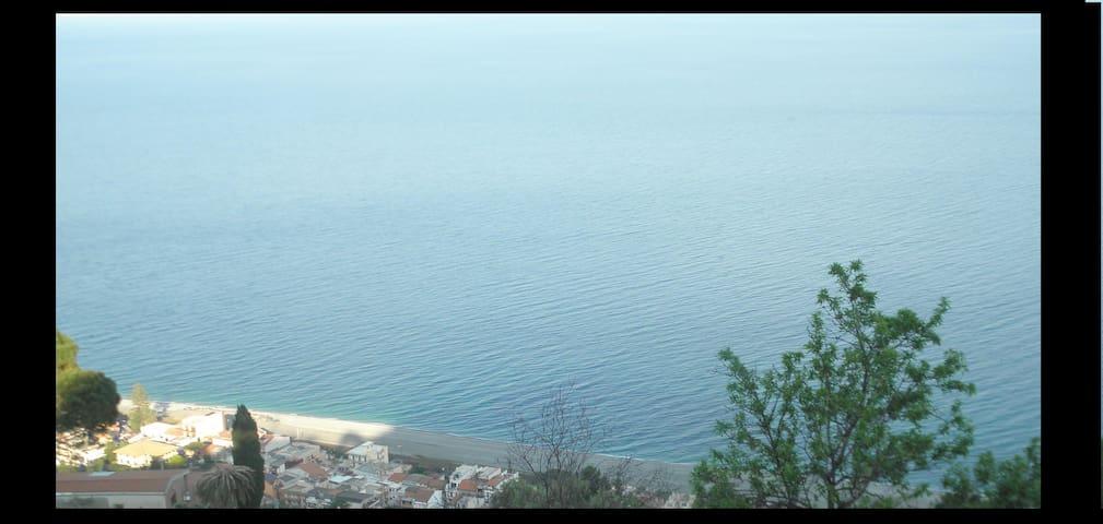 Sicilia-Villa i collina/mare-Ambiente Olistico - Itala
