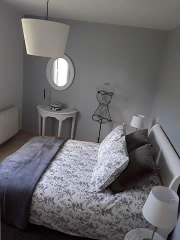 Chambre privée chez Carine et Jean Marc