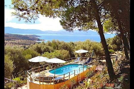 Grande Villa Vieux-Rose + piscine - Cargèse