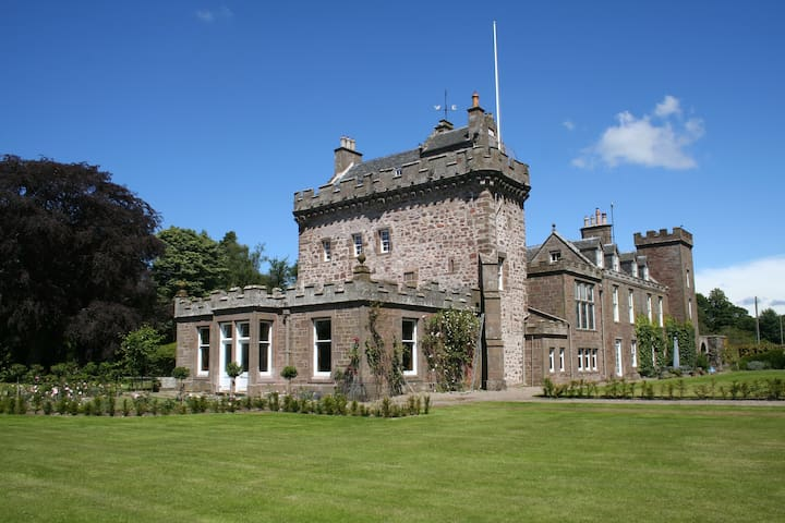 The Tower, Thornton Castle - Aberdeenshire - Schloss
