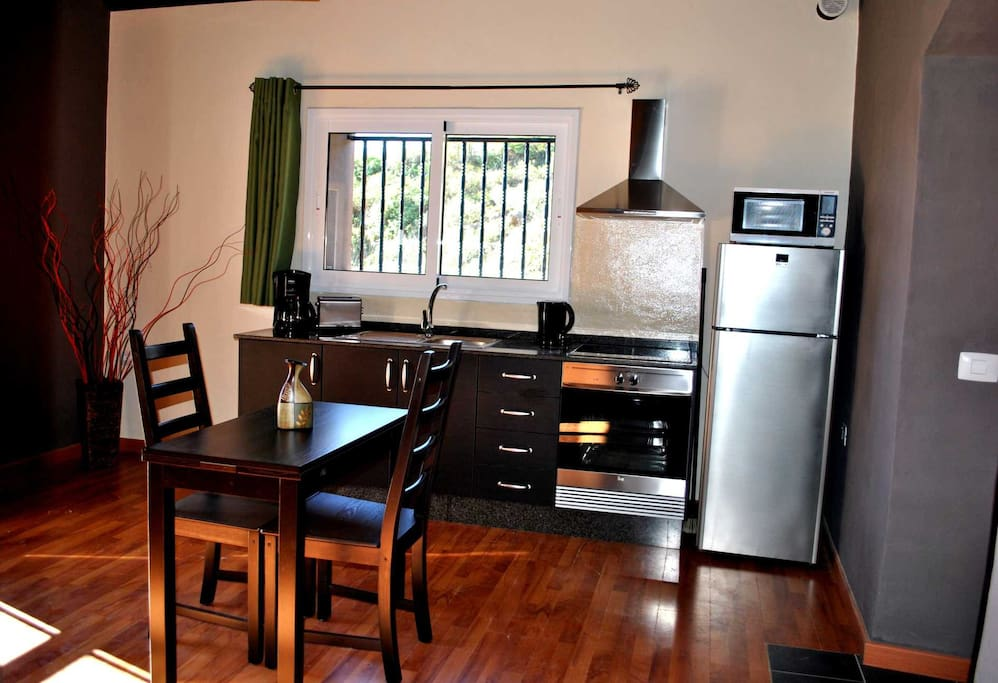 really modern, fully equiped kitchen