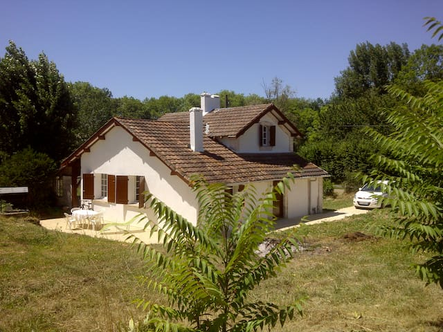 Holiday home nr Bergerac, France. - Cours-de-Pile - Apartment