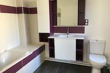 Salle de bain et wc au 2ème étage
