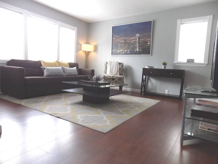 The Seattle-Airport/Light Rail Hot Spot-1 Bdrm Apt