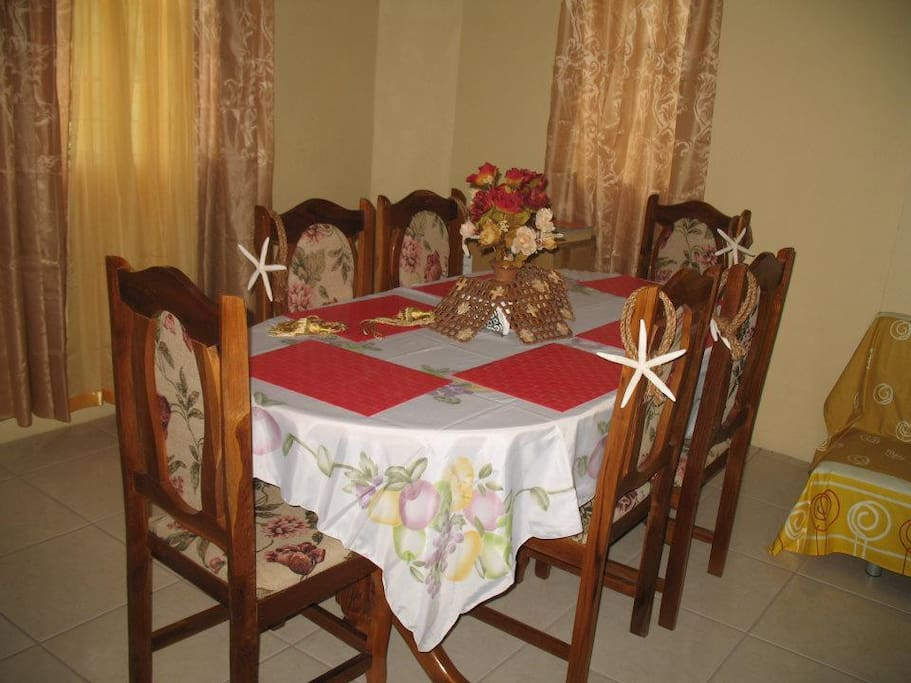 Dining set for your family meals