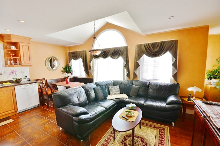 Two Rivers B&B - 3BR Suite