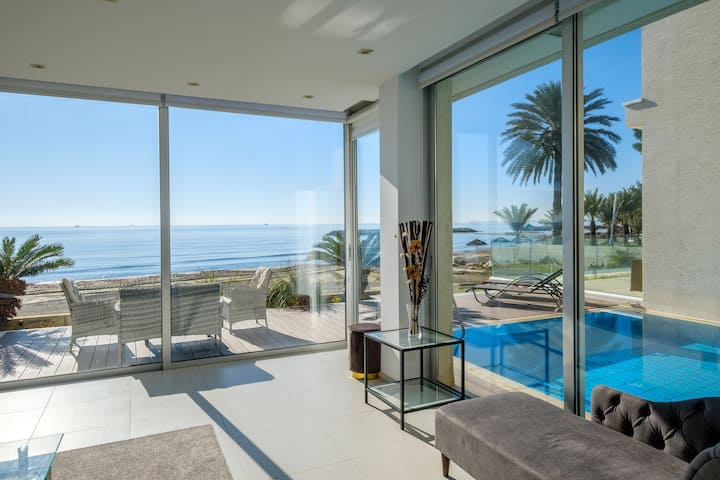 Luxurious Front Line 3 BR Beach Villa with private Pool