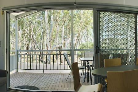 Murray River Lodge - Time Out Holiday Park - Koonoomoo
