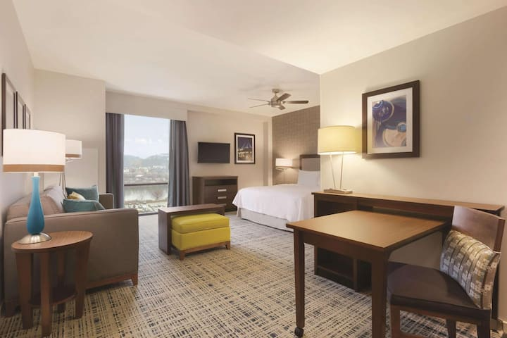 Fivestar Suite Double Bed At Suburbs