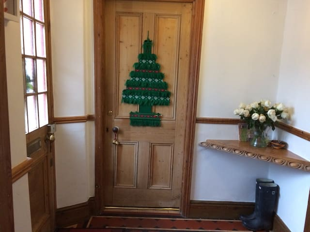 Large private double room in cottage with ensuite. - Taunton - Casa