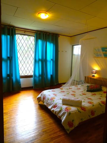 Greek room in a little Farm with breakfast! - Santa Ana - Bed & Breakfast