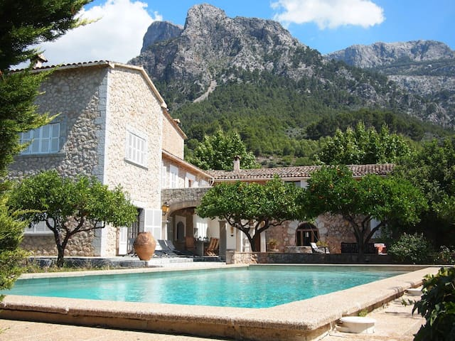 Finca with pool and tennis court - Sóller - House