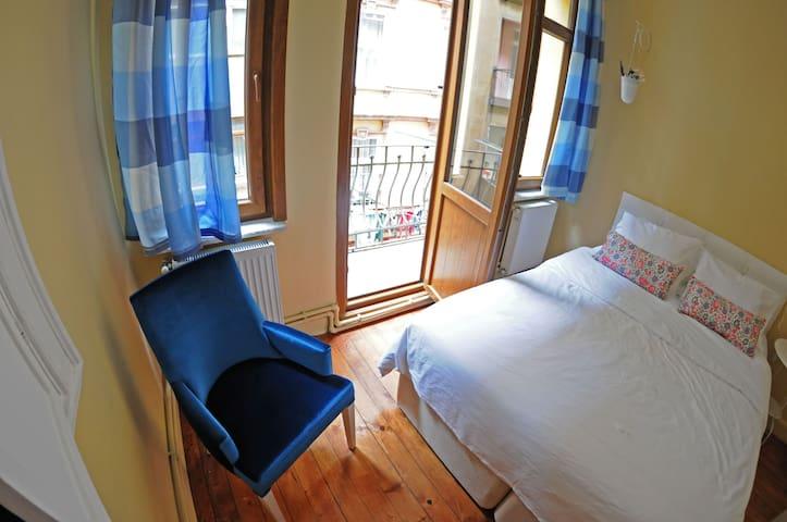 AEGEAN ROOM with BALCONY - İstanbul - Ev
