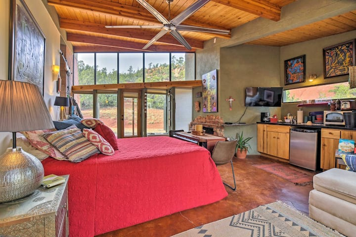 Geometric Glorieta Studio on 11 Picturesque Acres!