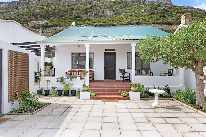 1920s Cape Town beach cottage, Clovelly/Kalk Bay