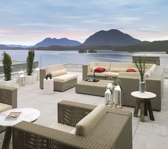 Luxury Penthouse Condo - Tofino - Tofino - 公寓