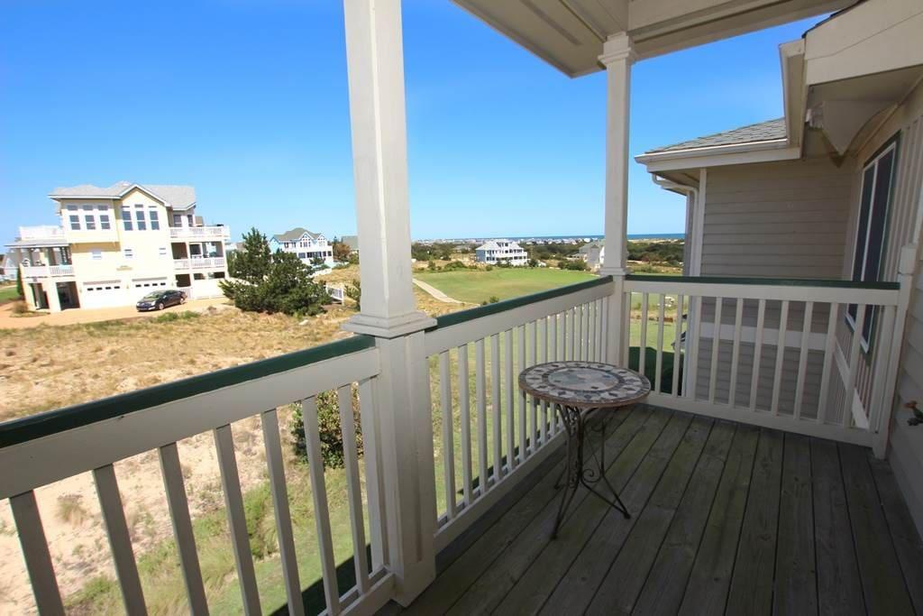 Deck,Porch,Building,Villa,Railing