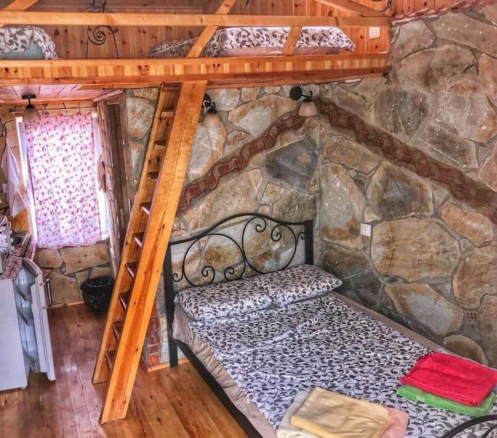 Villa Neda, small and cozy house in the city🦋