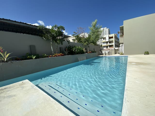 PRIVATE POOL & OUTDOOR SPACE (TILL SEPTEMBER) OPTION TO STEAM CLEAN & DISENFECT