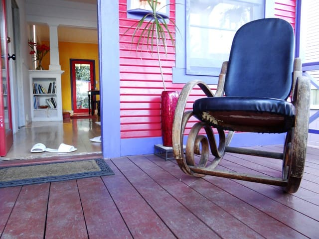 E Komo Mai.. (welcome) to The Sugar Shack. As in most Hawaiian homes, guests take off their shoes at the door.