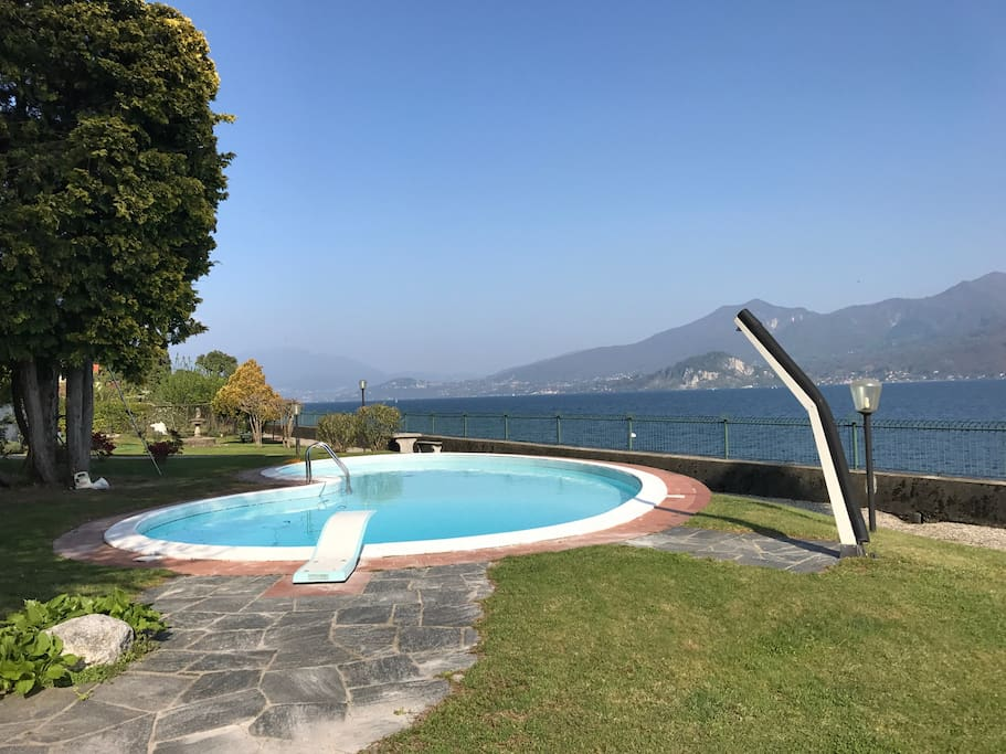 Lake view from the swimmingpool