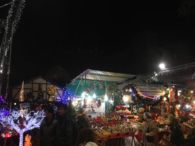 1,3 km-SANTA LUCIA CHRISTMAS MARKET+CATHEDRAL