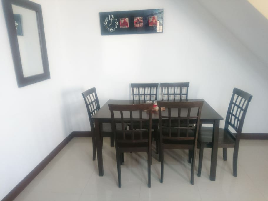 Dining room with 6 seater table