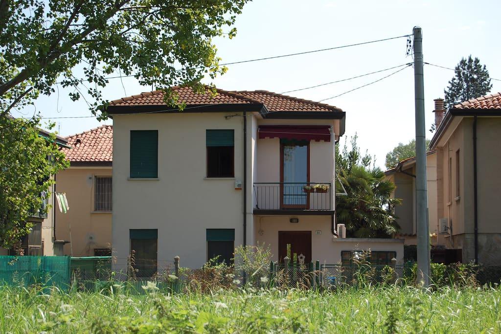 vista casa dal fiume