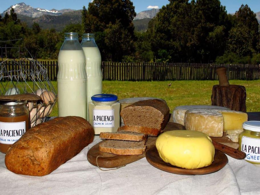 productos elaboradorados con la leche orgánica de nuestras vacas