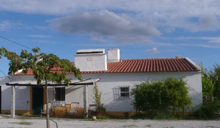 Quinta da Boticaria, lovely countryhouse in Évora.