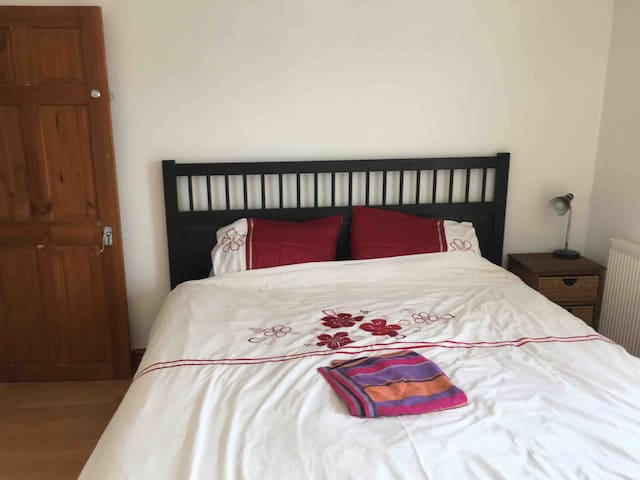 Newly refurbished double room, Newmarket