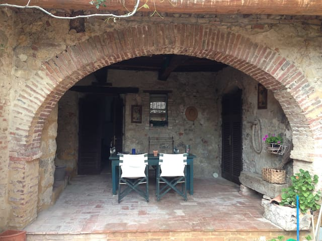 14th C Farmhouse Apartment & loggia - Cavallano - Apartamento
