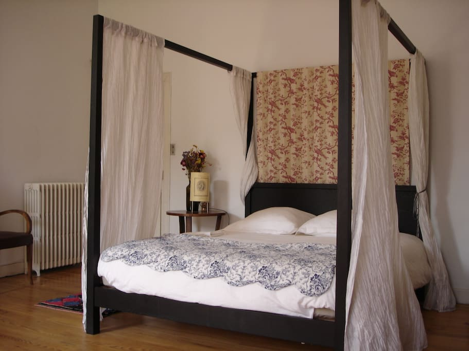 bed breakfast in caours chambres d 39 h tes louer cahors midi pyr n es france. Black Bedroom Furniture Sets. Home Design Ideas