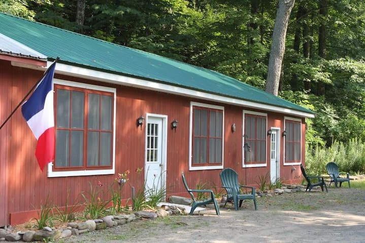 NY Adirondack Cabin by the River - Annsville - Cabana