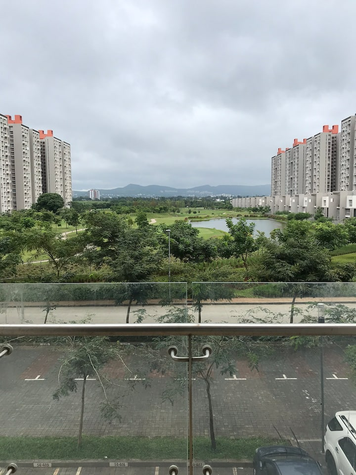 Near Mumbai Pune Express Highway/GolfView Balcony