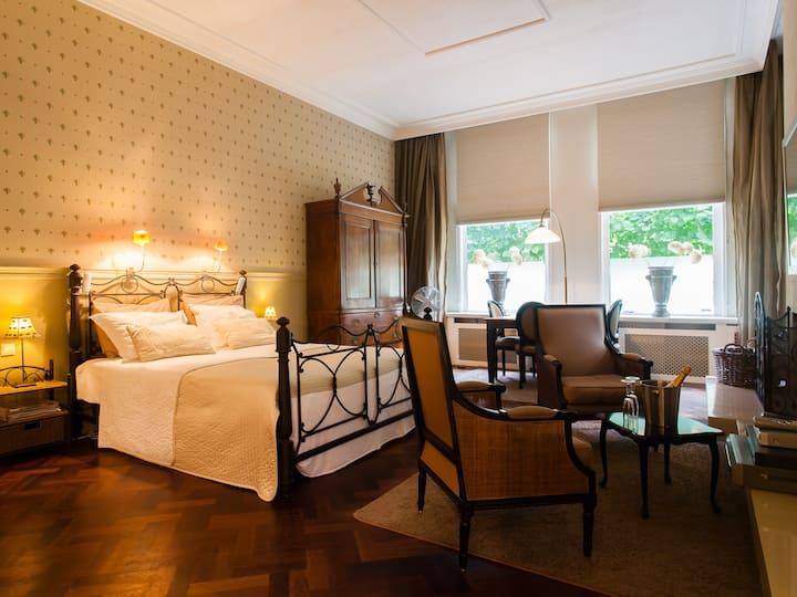 Luxe suite met privé terras en jacuzzi