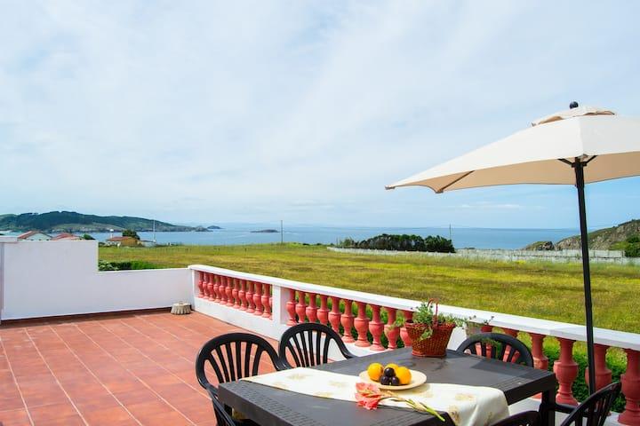 Apartamento con terraza a 10 minutos de las playas