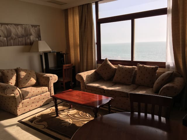 Sea view 1 Bedroom Elite Serviced Apt., Salmiya - Salmiya - Apartamento