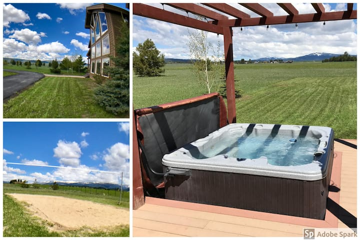 Luxurious, Private Cabin with Hot Tub and Volleyball Court, 4 Acres