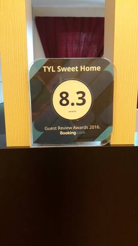 Booking.com guest review award for year 2016