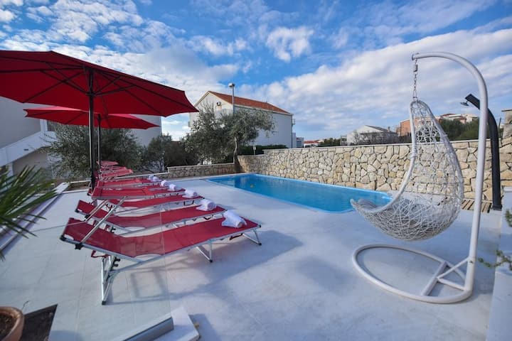Appartamento Cherry - relax & chill by the pool: A4(2+1) Novalja, Isola di Pag