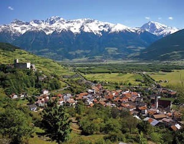 Willkommen in Südtirol Benvenuti - Schluderns