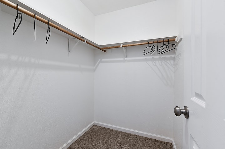 Cozy Aggieland Apartment in perfect location!