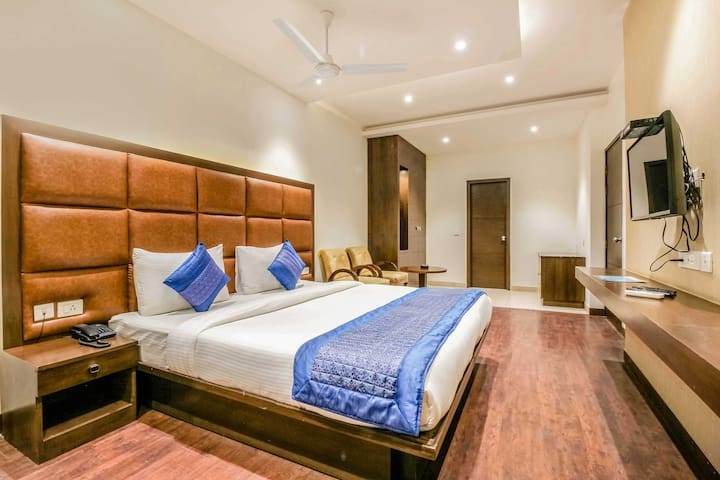 Airbnb*tRAVELER FRIENDLY*33 Jacaranda Marg,Gurgaon