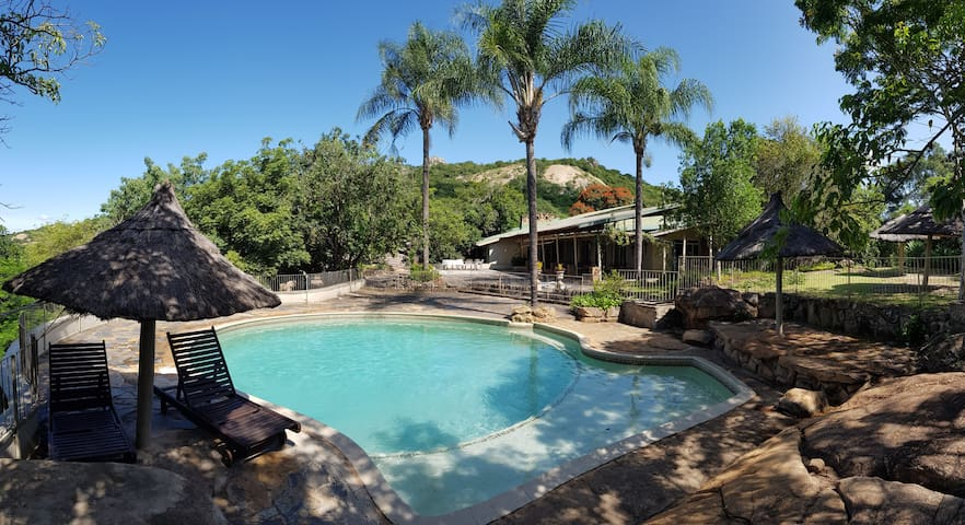 ★Bed in 3 Bed Dorm★Private Pool&Mountain/LegenDery