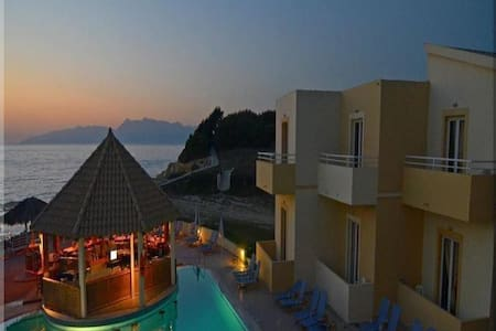 BERTOS ON THE BEACH - SIDARI -CORFU - Sidari - อพาร์ทเมนท์